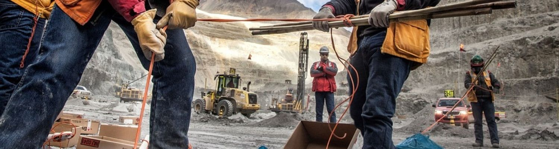 Manipulador de explosivos para la industria extractiva minera